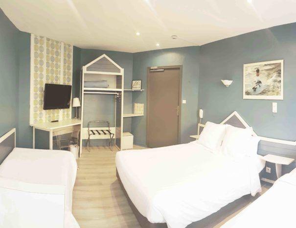 chambre-familiale-hotel-pelican-charleville-mezieres