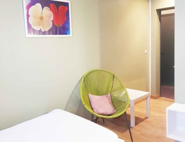 chambre-triple-hotel-pelican-charleville-1
